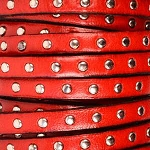 Flat Leather 5mm - Studded Red