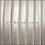 Regaliz™ Leather - Metallic White