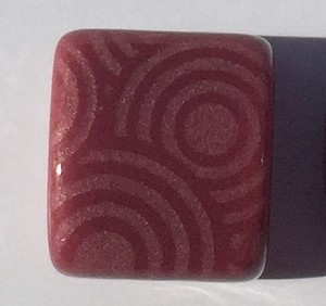 Clay River - 10mm - Etched Circles - Bing Cherry